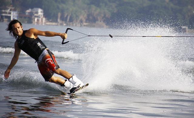 wakeboard na jezeře