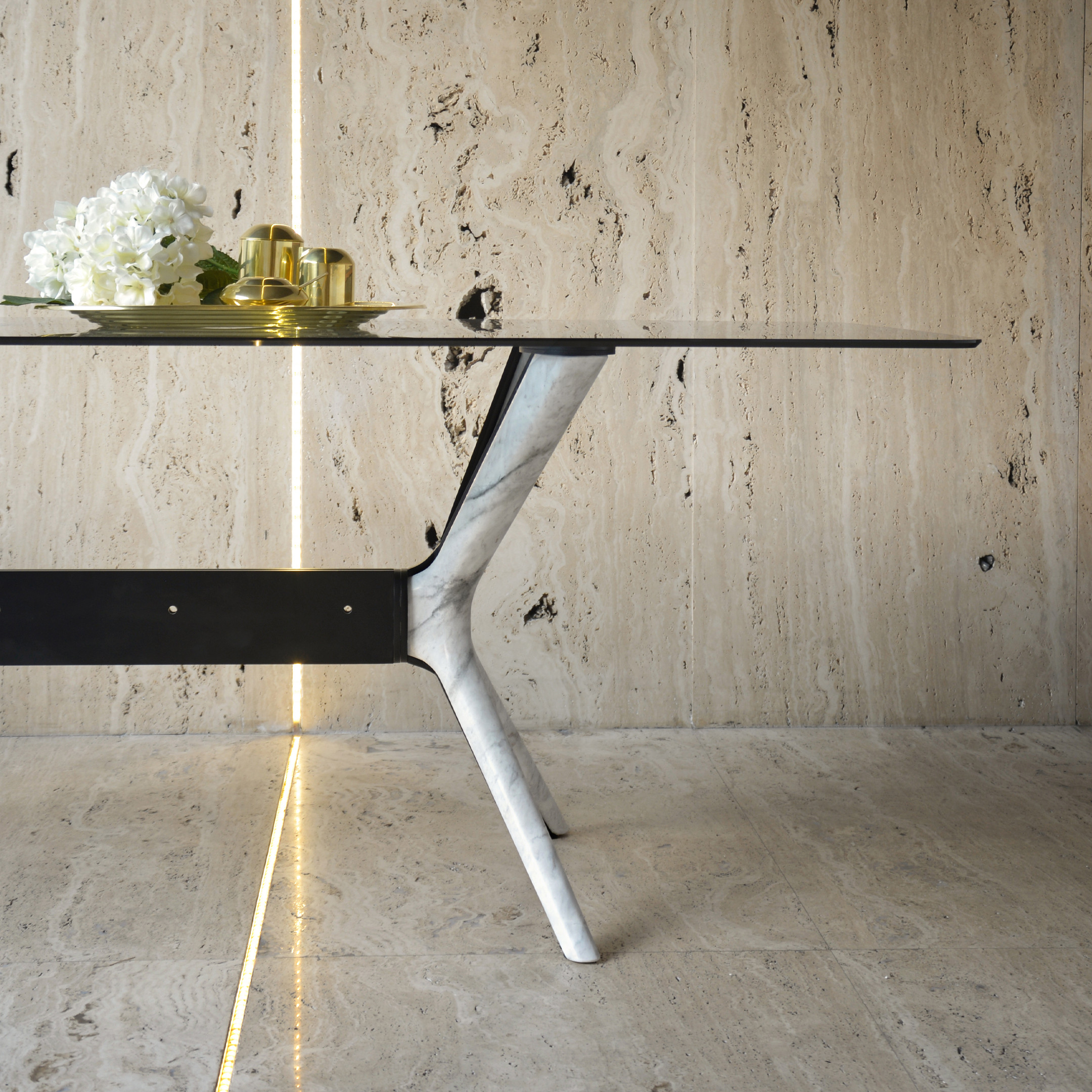 roots-dining-table-ochiro-marble-maami-home-detail-2-1554733740_Ori